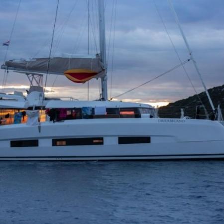 catamaran  dufour 48