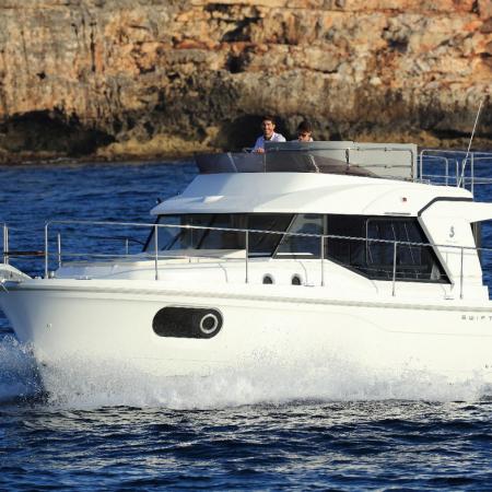 Swift Trawler 30 Fly-denmar-yachting.com